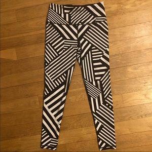 NWOT VS Sport striped leggings